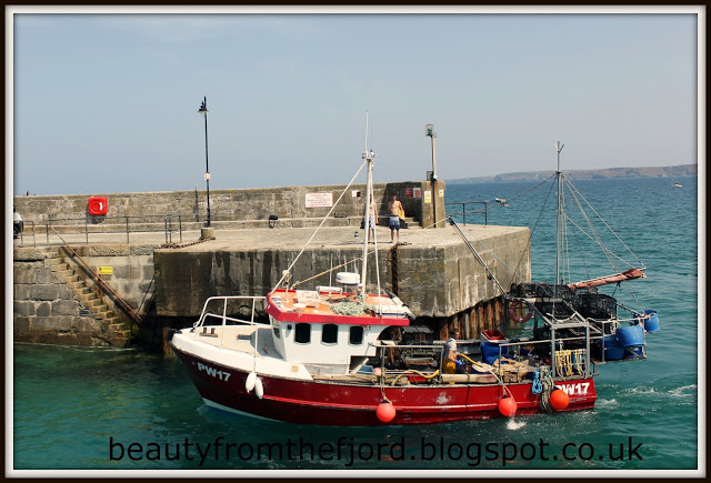 Cornwall Scenery - Newquay Harbour: Boat Elias coming in with lots of crabs.