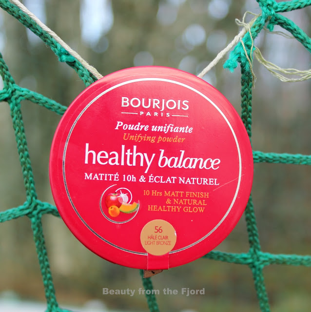 Bourjois Healthy Balance Unifying Powder Hale Clair Review and Swatches