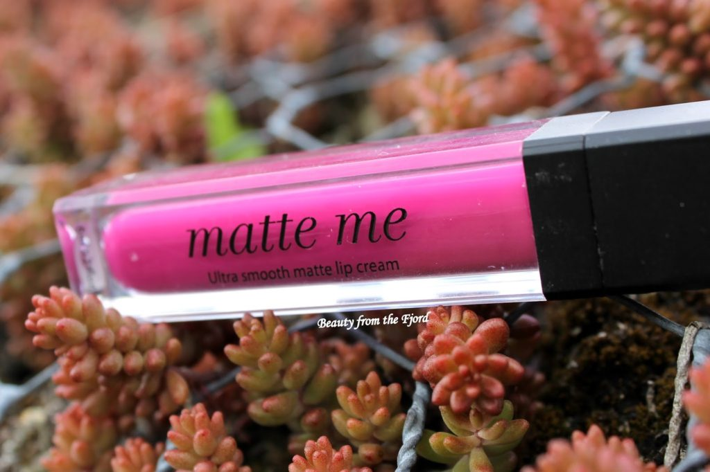 Sleek Makeup Matte Me Lip Cream: Fandango Purple Review and Swatches