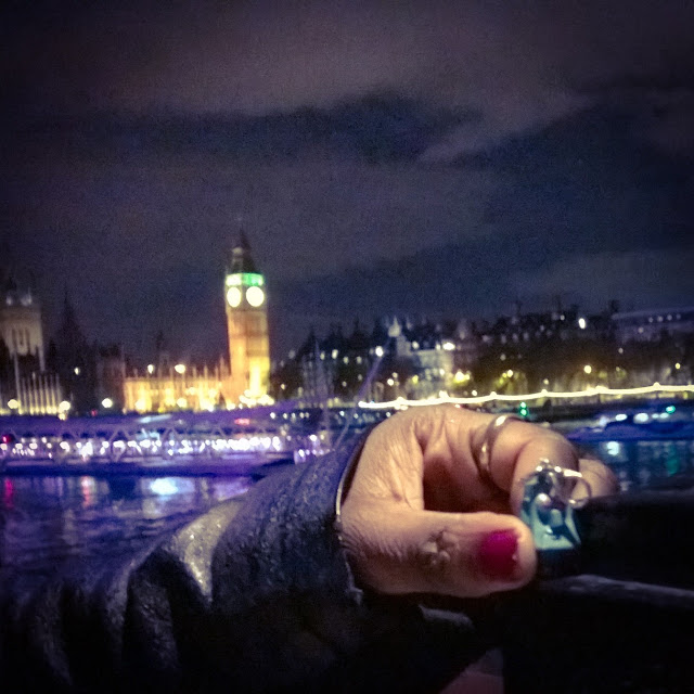 Instagram Photography Tour with Joe Bloggers and Best London Walks review - #giffgaffsnaps. Robot on Tour at the Big Ben