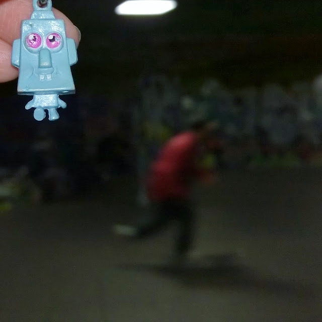 Instagram Photography Tour with Joe Bloggers and Best London Walks review - #giffgaffsnaps. Robot on Tour skate park