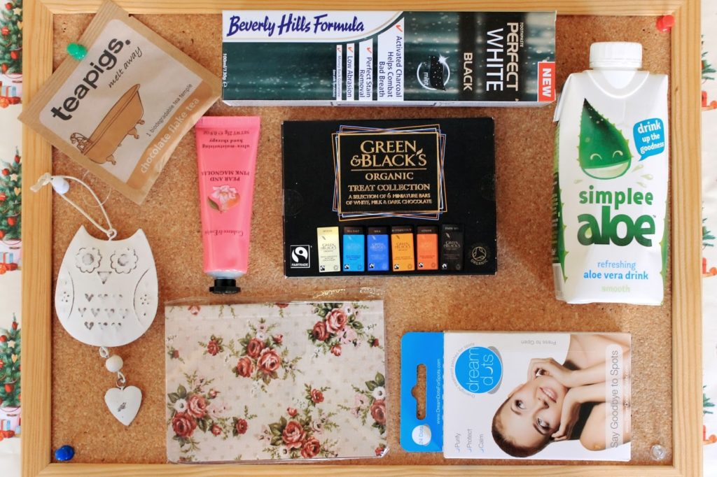 #BloggersXmasParty – Goody Bag Content