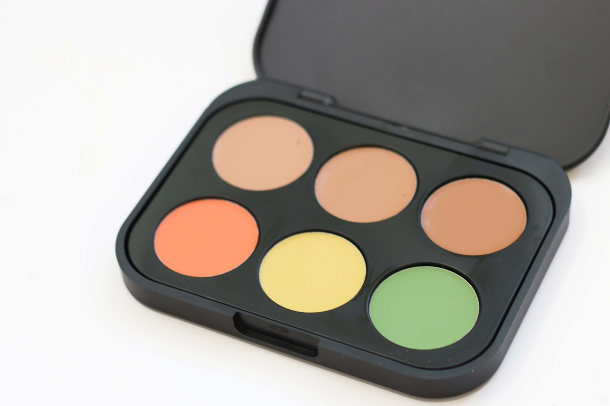BH Cosmetics Concealer Palette - Medium Review